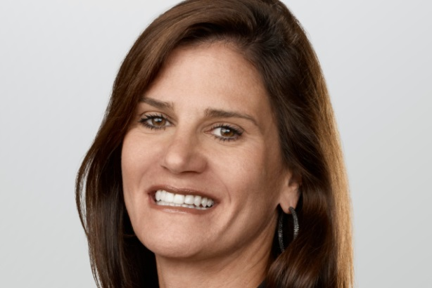 Apple comms chief Katie Cotton to step down