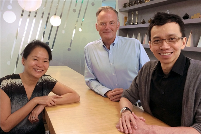 Valerie Cheng (left), Peter Womersley and Victor Ng