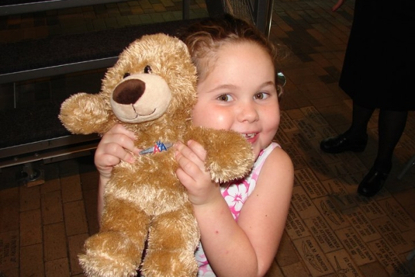 GolinHarris Texas team brings teddy bears to ill children