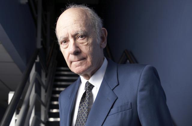 The late Burson-Marsteller executive Robert Leaf.