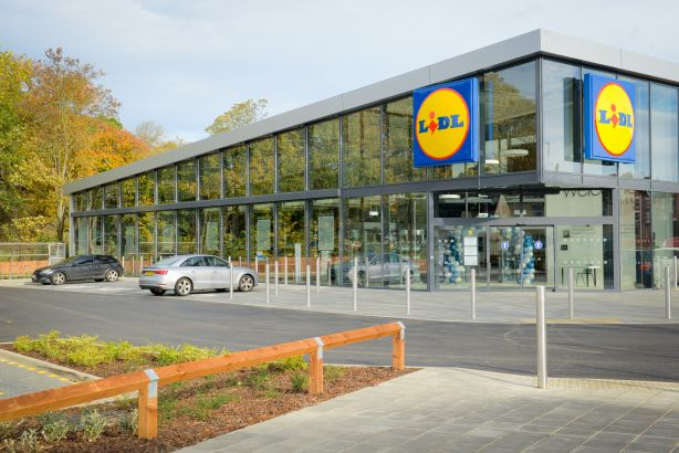 Lidl's new store concept: Larger outlets with more services