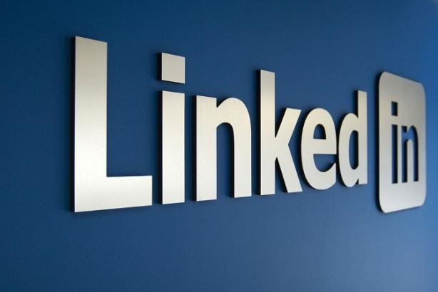 4 counterintuitive tips for PR pros using LinkedIn