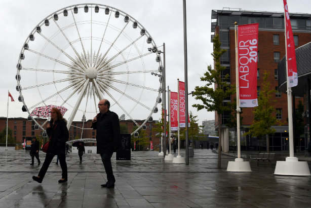 Rain fell heavily throughout Monday in Liverpool - but the (meteorological) outlook was sunnier on other days (© PAUL ELLIS/AFP/Getty Images)