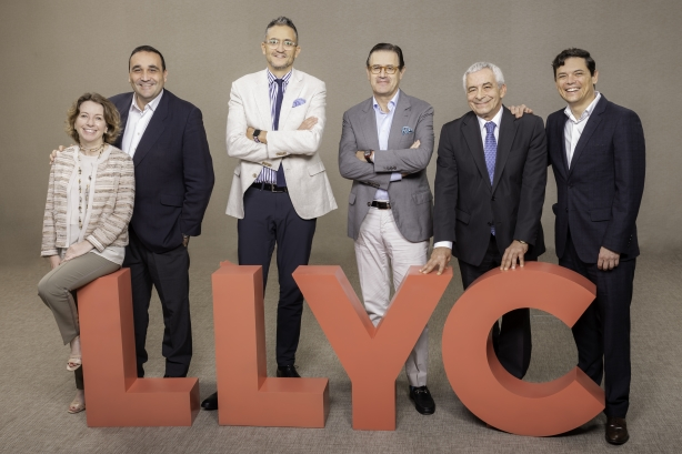 Llorente & Cuenca shortens name to LLYC