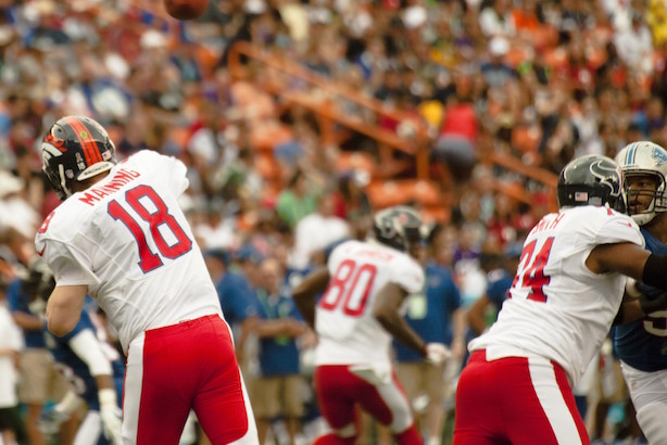 Peyton Manning in the Pro Bowl. (Image via Wikimedia Commons).