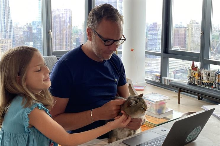 Around the (home) office with great views, two daughters and one cat