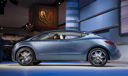 Automakers happy to tell electric car story