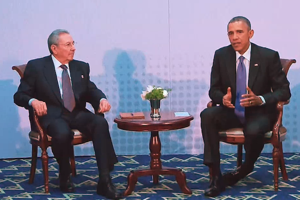 Obama meets Castro in 2015. The two leaders are set to meet again on Monday. (Image from WhiteHouse.gov via Wikimedia commons).