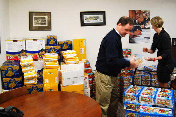 Ogilvy competes with firms to benefit food drive