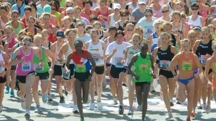 Freihofer connects women runners through social media