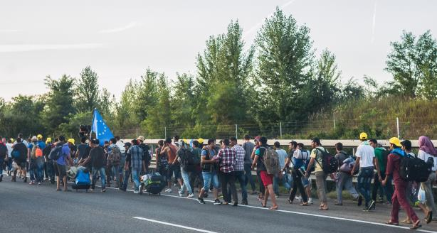 Refugees marching to Austria