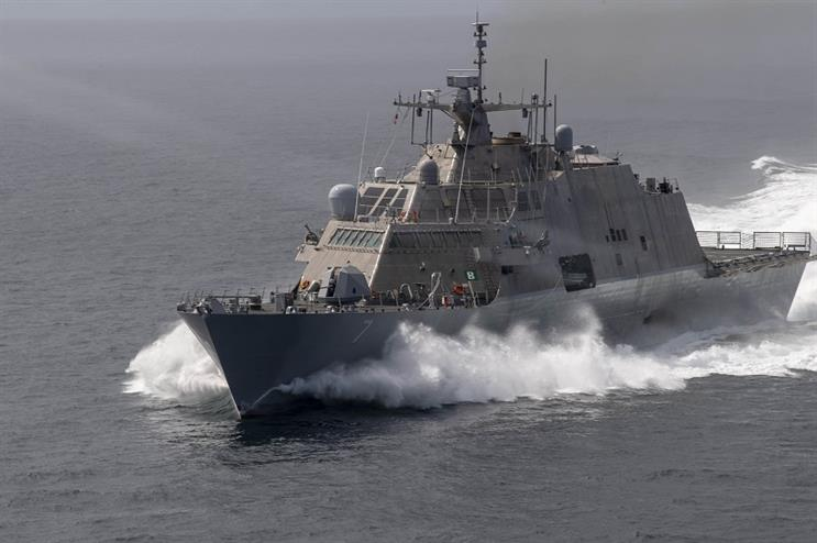 The Freedom-variant littoral combat ship USS Detroit conducts high-speed operations (US Navy photo by Mass Communication Specialist 2nd Class Devin Bowser)