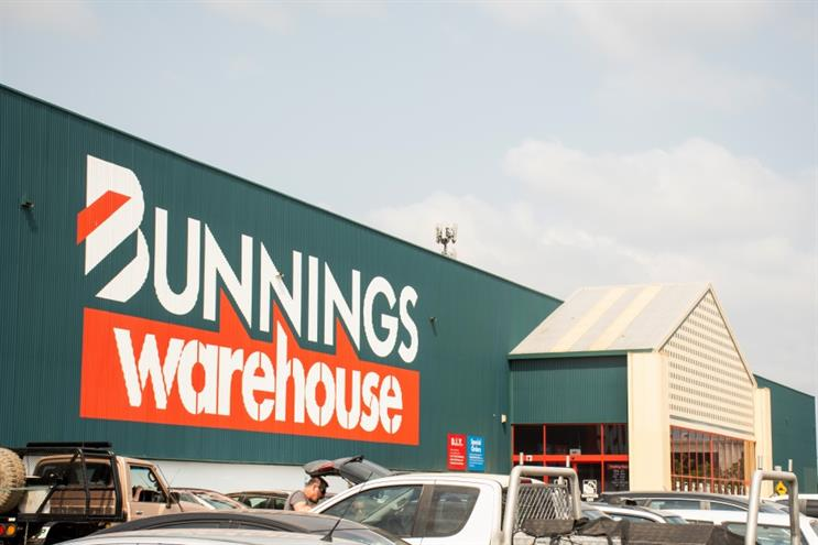 Bunnings has offered up its parking spaces and facilities as vaccination hubs (Shutterstock)