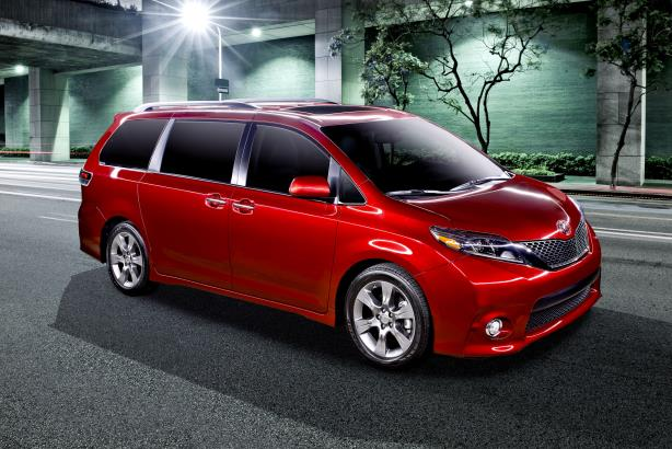 Toyota showcases 2015 Sienna van with customer-made videos in first online reveal