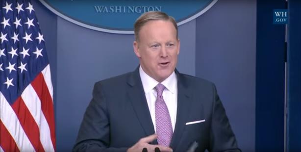 Sean Spicer resigns as Anthony Scaramucci is named White House comms director