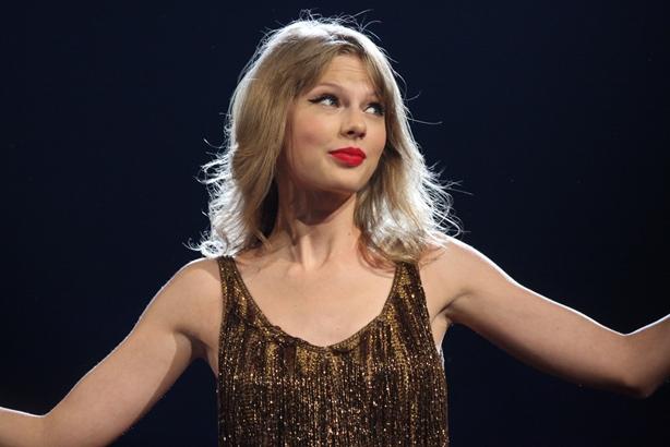 Denny's parodies Taylor Swift response to Kanye call leak