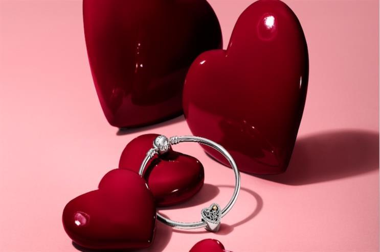 pandora creating love booths for uk cities - Pandora Valentines