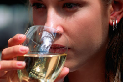 US research suggests drinking in moderation helps prevent obesity