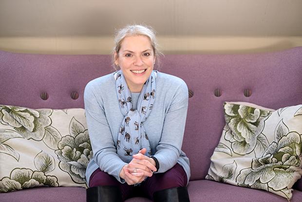 Dr Amanda Sands