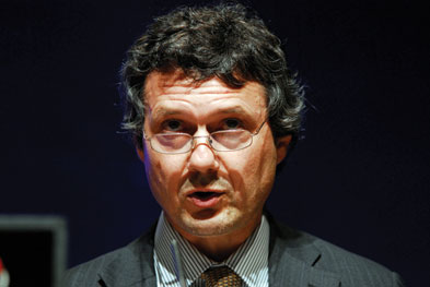 Dr Ian Hume