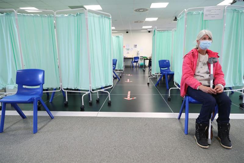 COVID-19 vaccination centre (Photo: Geoff Caddick/Getty Images)