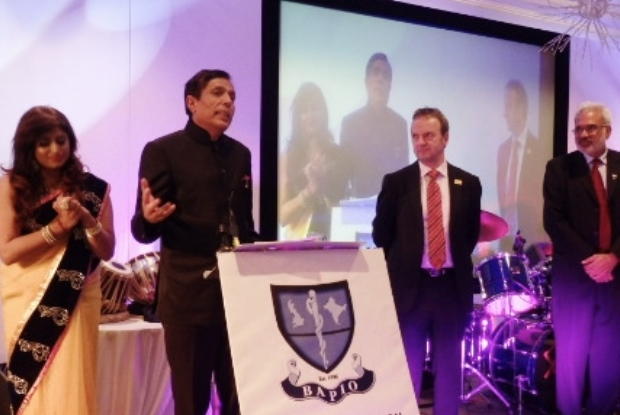 Dr Chand receives his award at BAPIO's Manchester conference