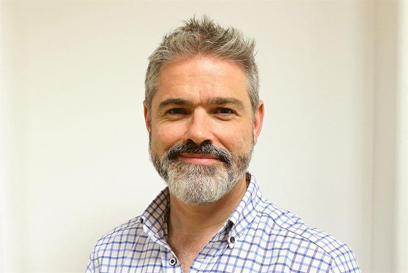 Dr Noel Baxter