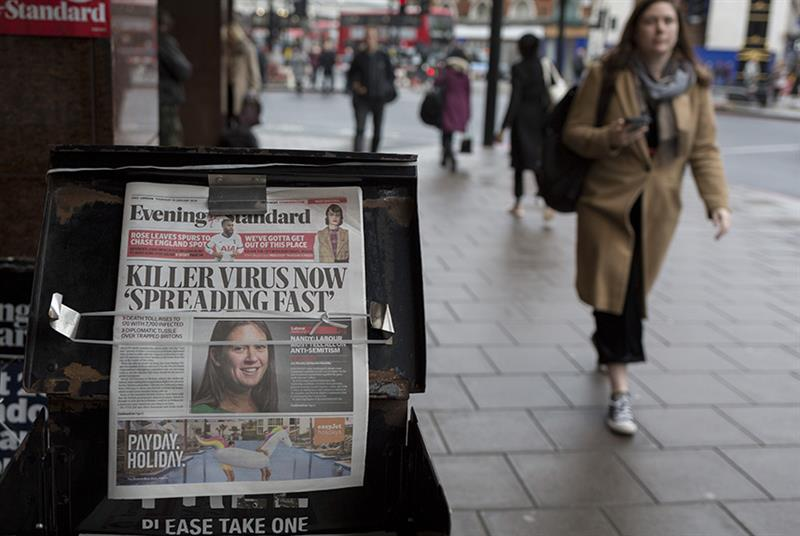 Dramatic headlines can cause people to worry more than official advice suggests necessary (Photo: Richard Baker/Getty Images)