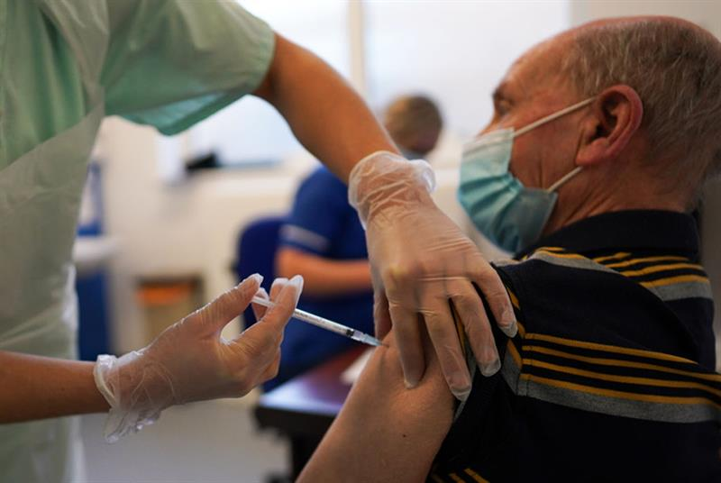 A patient in York receives the vaccine this week (Photo: Ian Forsyth/Getty Images)