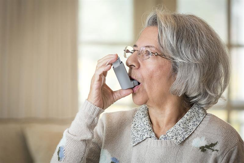 Patients with COPD should continue to take their medication as normal (Photo: Terry Vine/Getty Images)