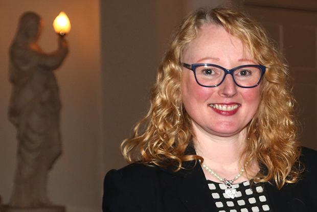 Dr Kate MacGregor