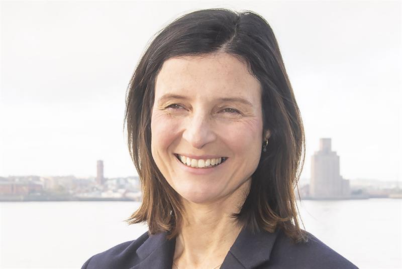 Dr Miriam Santer
