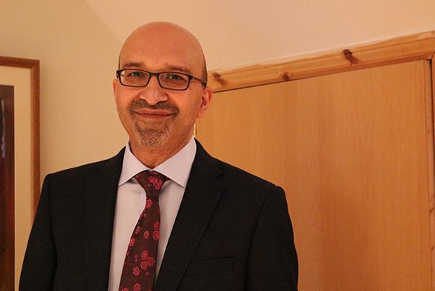 Dr Pawan Randev