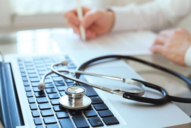 Online consultations (Photo: iStock.com/anyaberkut)