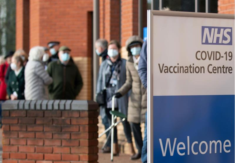 Patients queue at mass vaccination centre (Photo: Joe Giddens/WPA Pool/Getty Images)