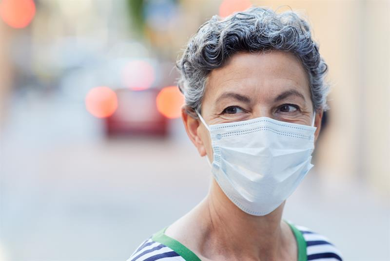Patients should wear masks when visiting GP, says BMA (Photo: Tempura/Getty Images)
