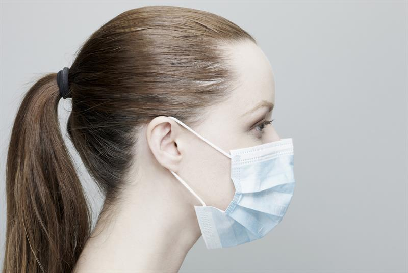 Surgical mask (Photo: ballyscanlon/Getty Images)