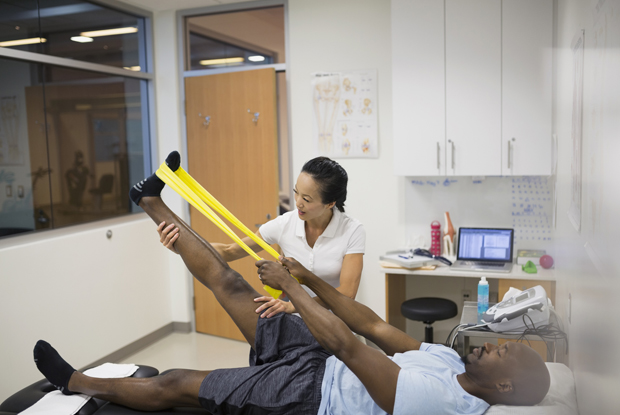 Physiotherapists could ease GP workload (Photo: Hero Images/Getty Images)