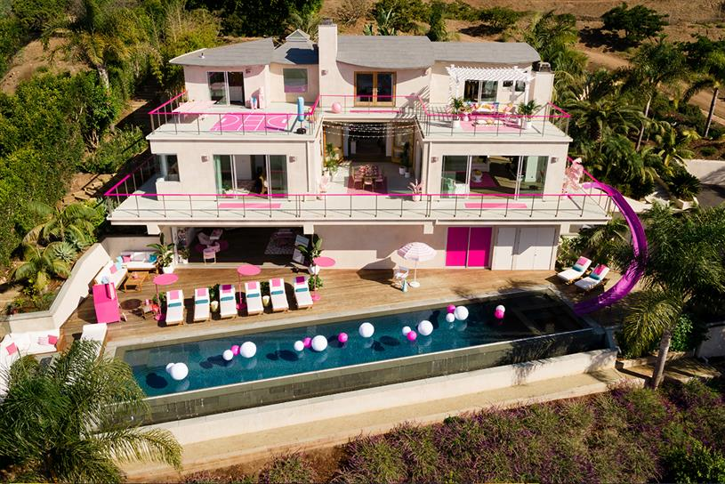 Barbie Dreamhouse: life-sized version