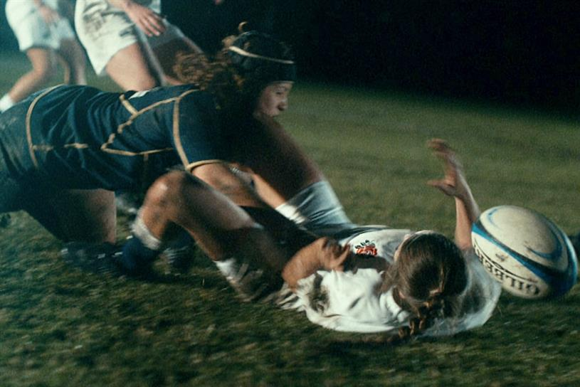 Guinness 'Sisters': rivals on the field