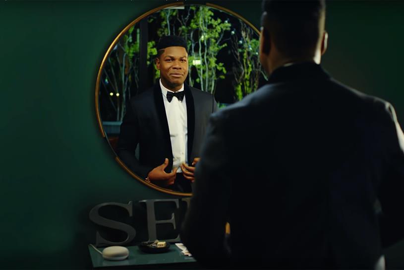 Google Home Mini: one spot features Boyega