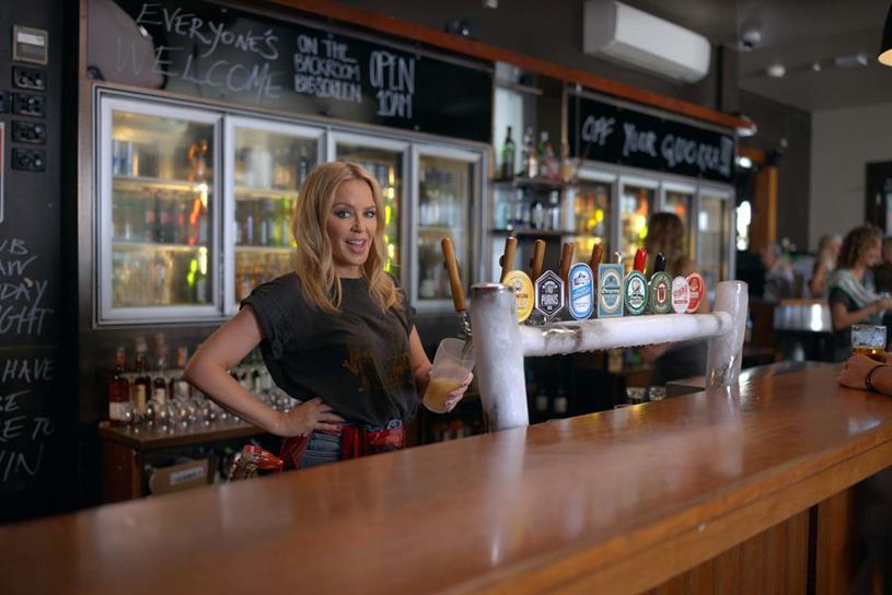 Minogue: serving a 'schooner'?