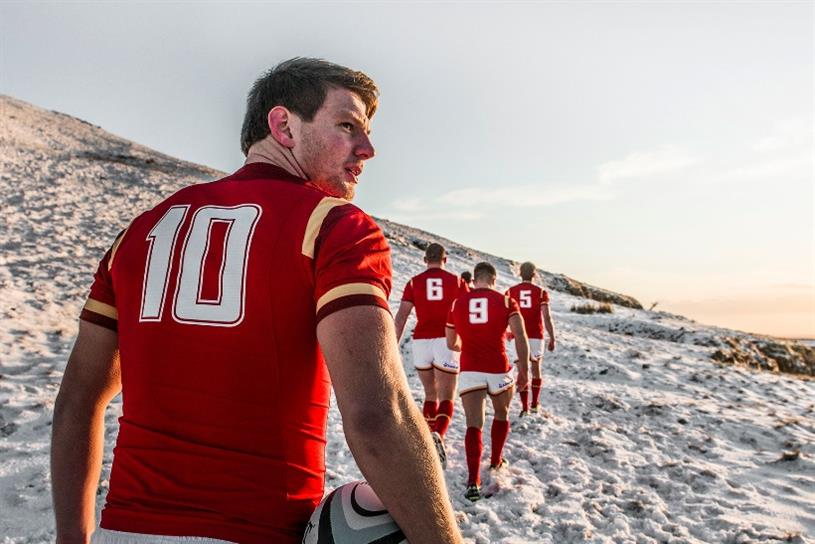 Wales star Dan Biggar at the snowy Brecon Beacons