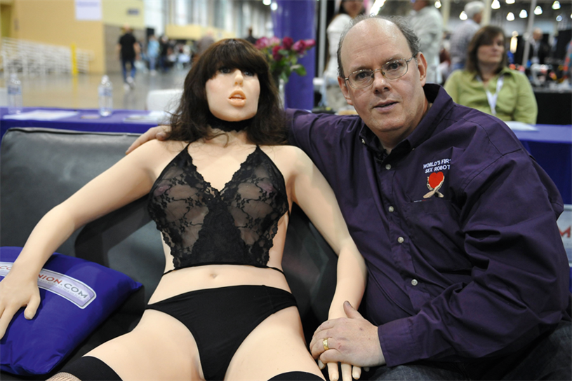 Секс робот roxxxy