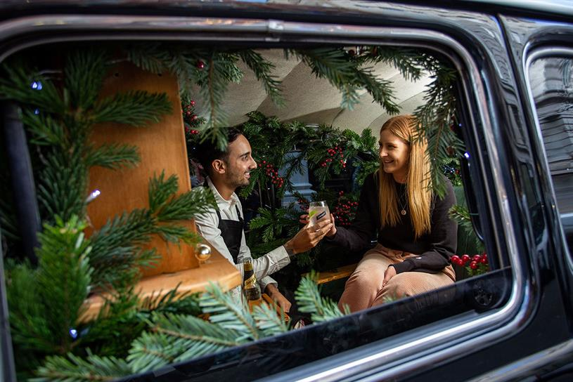 Schweppes: taxi has been fitted with festive decorations
