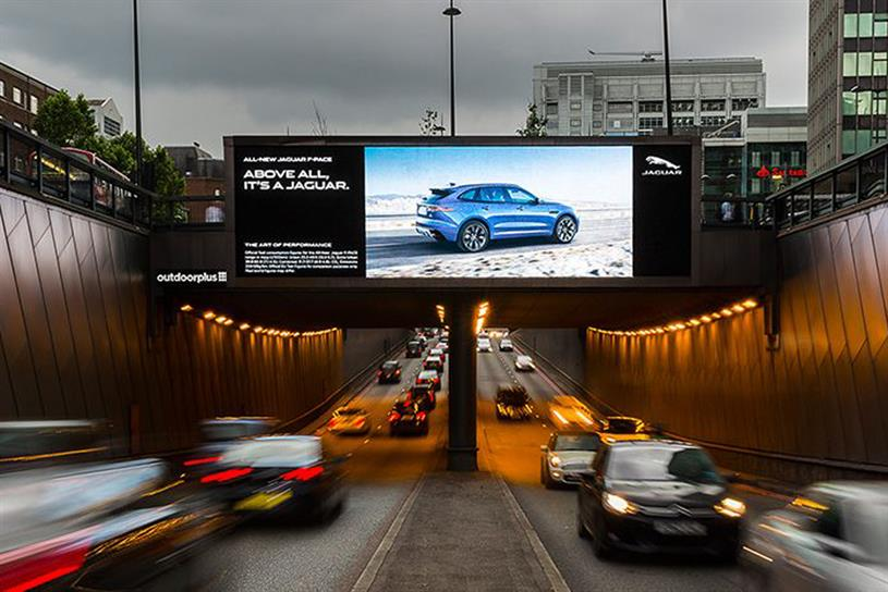 A campaign by Kinetic Jaguar harnessed real-time traffic data to serve contextually-relevant copy
