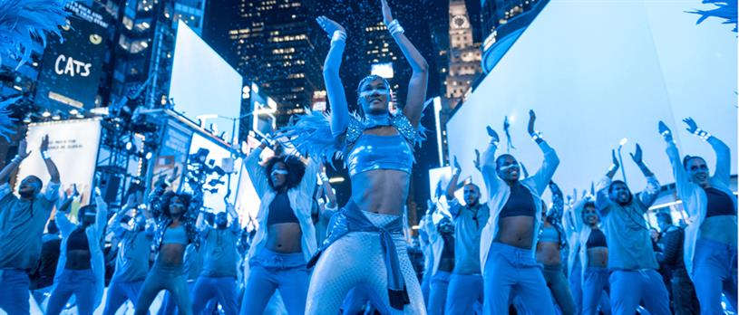 Entertainers engage consumers as Samsung lights up Times Square