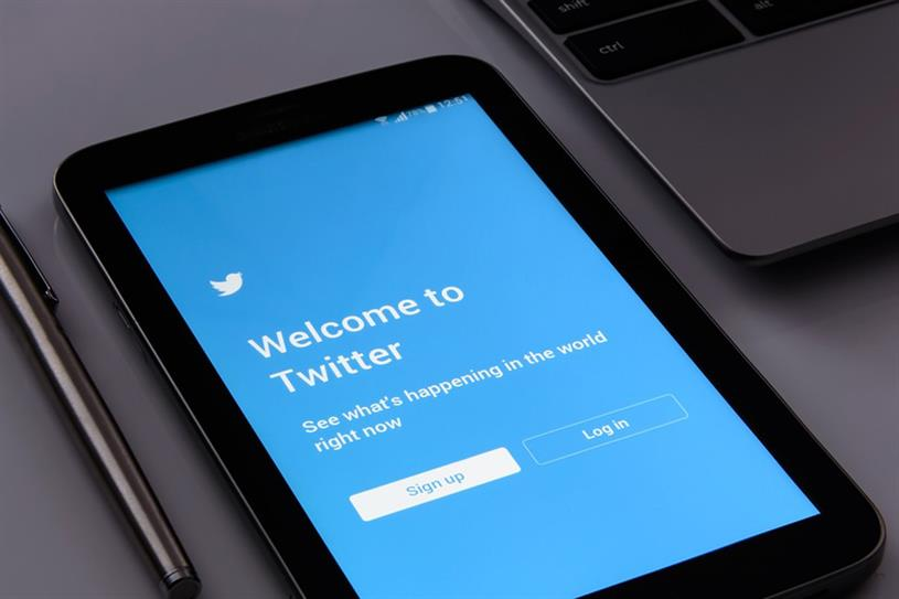 Twitter: average monthly users fell 2% to 330 million in the first quarter