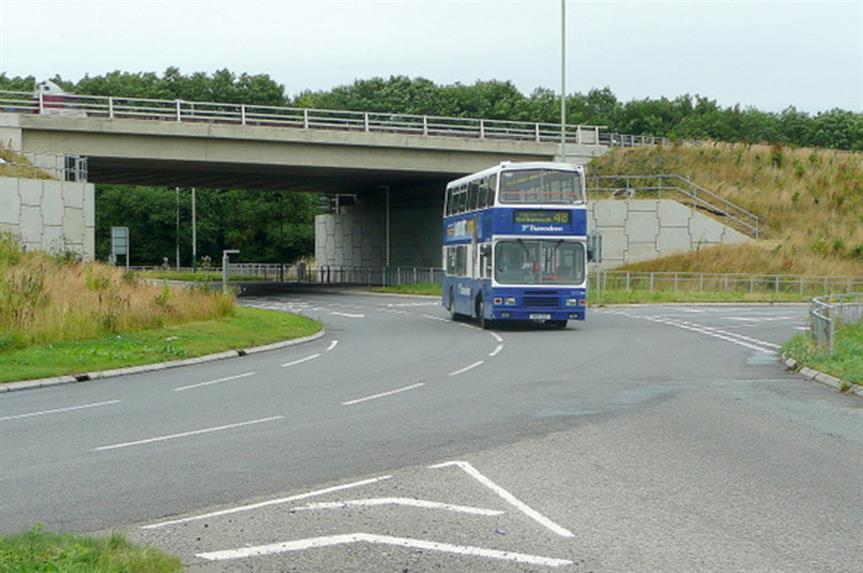 Commonhead Roundabout, Swindon (pic: Jonathan Billinger via Geograph)
