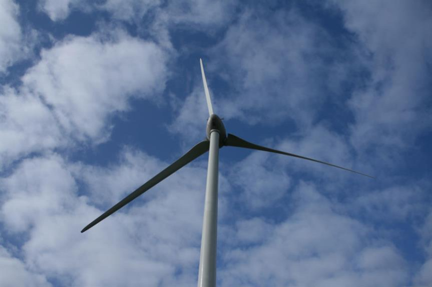 Wind farms: report shows those gaining permission are smaller